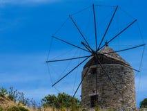 Vieux moulin à vent traditionnel photos libres de droits