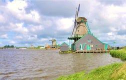 Vieux moulins à vent de la Hollande Image libre de droits
