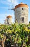 Vieux moulins de Rhodes en Grèce photographie stock libre de droits