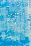 Vieux mur bleu texturisé avec des souillures Photos libres de droits