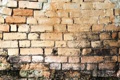 Vieux mur de briques dans la photo de fond Photographie stock libre de droits