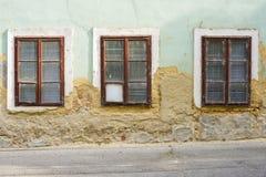 Vieux mur de maison avec la fenêtre Photos libres de droits