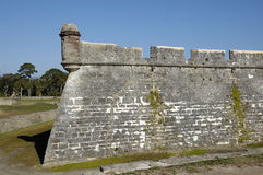 Vieux mur espagnol de château Photographie stock libre de droits