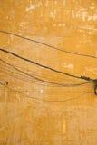 Vieux mur et câblage Photo stock