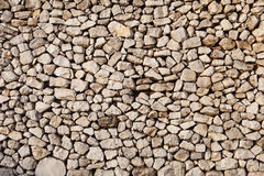 Vieux mur fait de pierres légères Images libres de droits