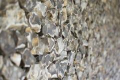 Vieux mur fait de silex Photographie stock