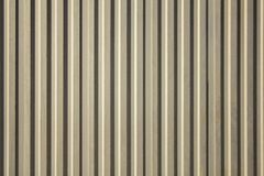 Vieux mur sale jaune gris blanc avec les lignes verticales et les ombres Texture de surface approximative images libres de droits