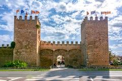 Vieux murs de ville d'Alcudia, Majorque, Îles Baléares, Espagne photographie stock