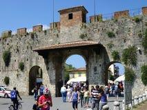 Vieux murs de ville, Pise, Italie photo stock