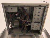 Vieux ordinateurs dans l'usine image libre de droits