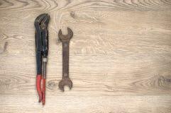 Vieux outils avec l'espace de copie photographie stock