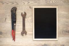 Vieux outils avec l'espace de copie photos stock