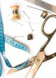 Vieux outils et accessoires de couture Photographie stock libre de droits