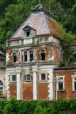 Vieux palais remontant à 1880, maintenant dans les ruines les rois et les reines venaient ici pour guérir les diverses maladies a photographie stock