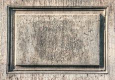 Vieux panneau en pierre Photos libres de droits