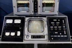 Vieux panneau sur un matériel de l'électronique Photo libre de droits