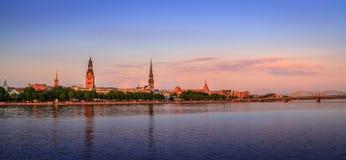 Vieux panorama de Riga, Lettonie, l'Europe Photographie stock libre de droits