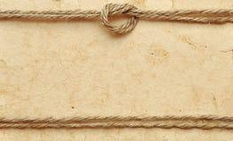 Vieux papier avec la corde photos libres de droits