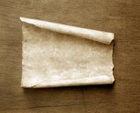 Vieux papier avec les bords brûlés Images stock