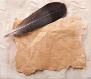 Vieux papier et crayon lecteur Images libres de droits