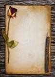 Vieux papier pour le mot. Photo stock