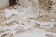 Vieux papiers peints enlevés Image stock