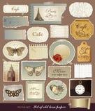 Vieux papiers texturisés avec les bords déchirés Photo stock