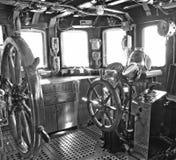 Vieux paquet de commandant de bateau de navigation images libres de droits