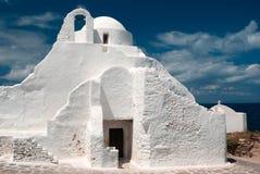 Vieux Paraportiani église de 14 siècles dans les nuages photographie stock
