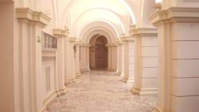 Vieux passage et colonnes de bâtiment de Lit Photographie stock libre de droits
