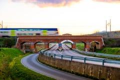 Vieux passage supérieur de train dans le maremma, Toscane Image libre de droits