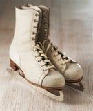 Vieux patins Image libre de droits