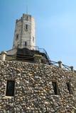 Vieux phare avec le ciel bleu Photos libres de droits