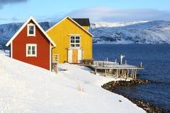 Vieux pilier de pêche en Norvège du nord Image stock