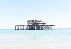 Vieux pilier de rouillement occidental à Brighton, R-U Photos libres de droits