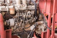 Vieux pistons de moteur ? combustion interne de voiture images stock