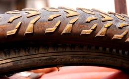 Vieux pneu de vélo Photos libres de droits