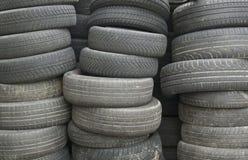 Vieux pneus Image stock