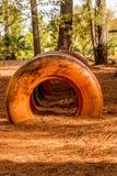 Vieux pneus Bureid dans la terre Photographie stock
