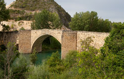 Vieux pont d'Aunon Photos libres de droits