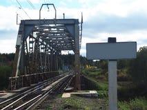 Vieux pont de chemin de fer, d?tails et plan rapproch? Pont centenaire pour des trains image libre de droits