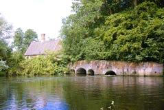 Vieux pont de moulin photos libres de droits