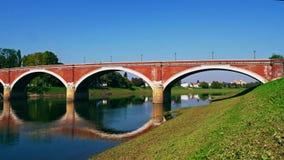 Vieux pont de Sisak banque de vidéos