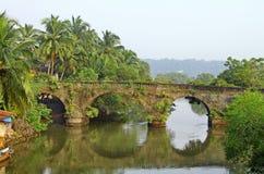 Vieux pont de voûte Image libre de droits