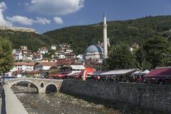 Vieux pont en pierre dans Prizren images stock
