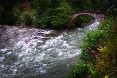 Vieux pont en tabouret photographie stock libre de droits