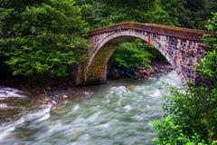 Vieux pont en tabouret photo stock
