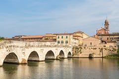 Vieux pont romain à Rimini photographie stock