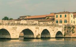 Vieux pont romain à Rimini image libre de droits