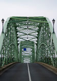 Vieux pont - route vide sans trafic Photos stock